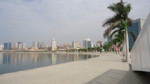 Marginal_Avenida_4_de_Fevreiro_Luanda_March_2013_04