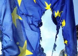 bandiera-europa-500 brucia