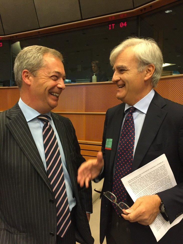 FINE DELL'EURO O CRISI ECONOMICHE NAZIONALI: L'EUROPA AL BIVIO. (Antonio M. Rinaldi)