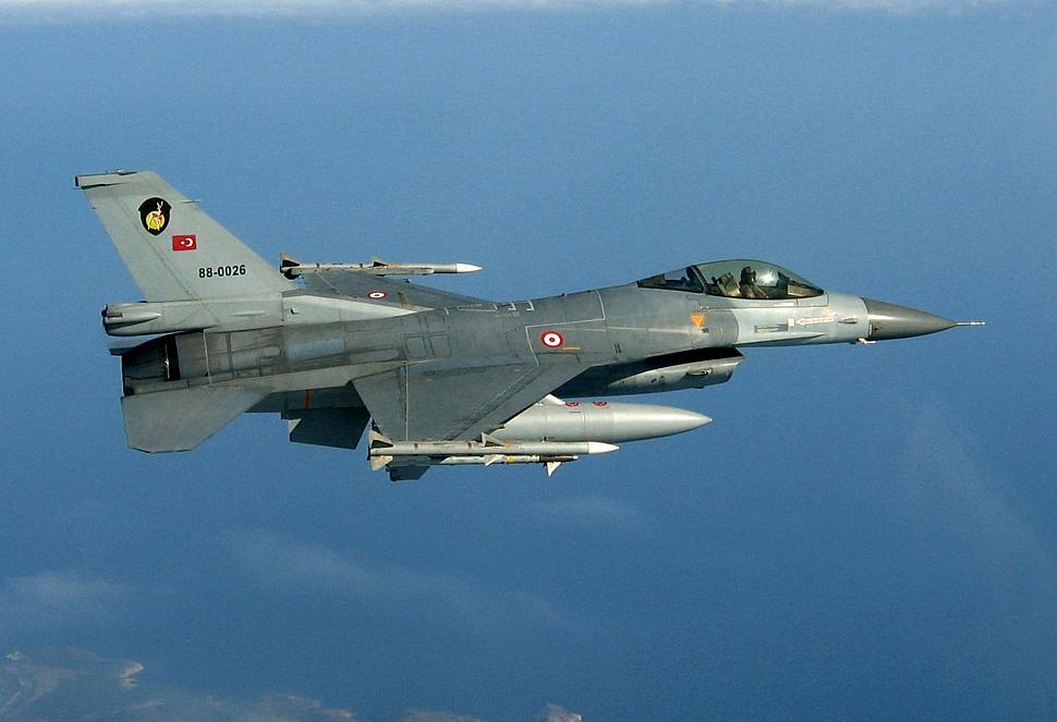 F-16-aa-TuAF