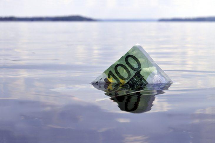 L'eredità della crisi: in Italia 26 miliardi di bollette non pagate