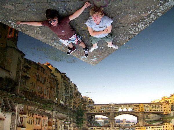 Il Mondo Sottosopra (di Domenico Cerrone)
