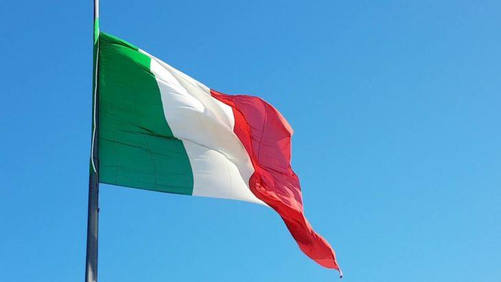 Bloomberg: gli investitori con calma scommettono a favore dell'Italia