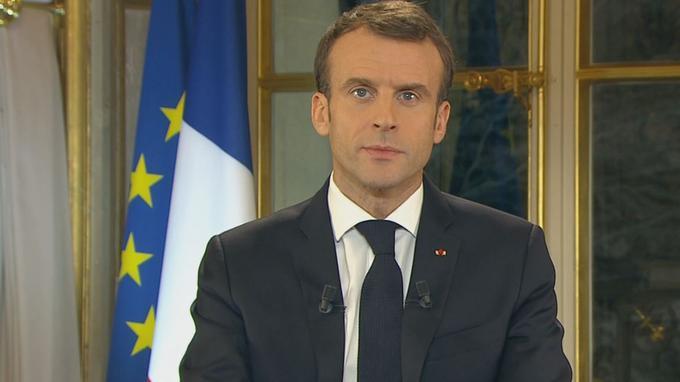 Ecco le concessioni di Macron ai Gilet Gialli: più defiscalizzazioni, più paga minima, meno tasse, più deficit, meno occupazione.