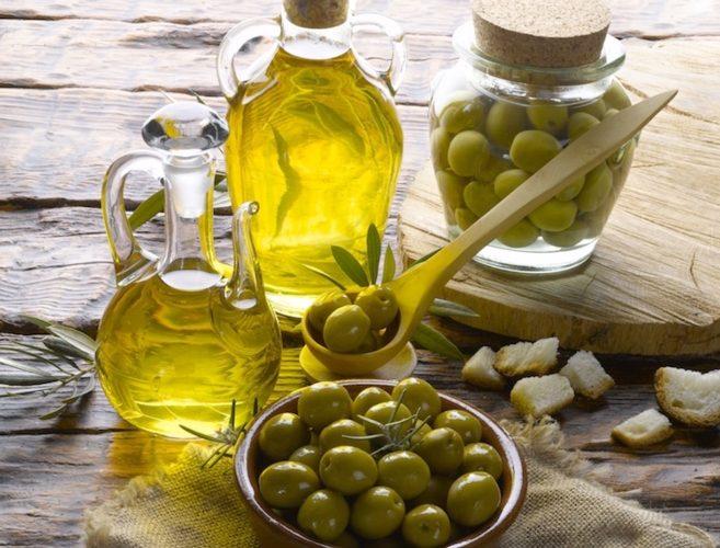 Olio d'oliva Italiano attaccato su più fronti, sempre più raro nei punti vendita
