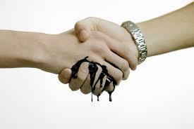 Lo sporco scambio fra Francia e Germania: Gas in cambio di Copyright.