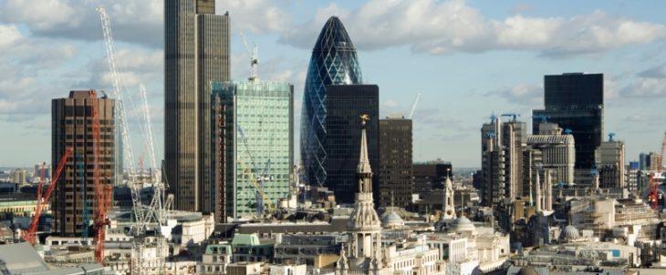 Regno Unito: proseguono gli ottimi dati sul lavoro (ma molti parlamentari Tory rischiano di perderlo)