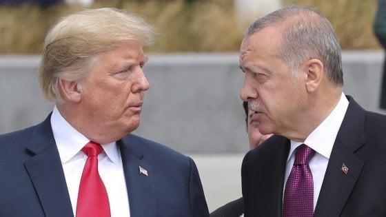 Trump morde,  la lira turca cade