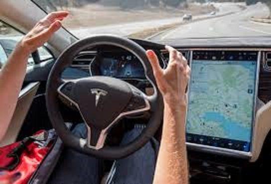 Problemi per l'autopilota Tesla: esodo dal team di sviluppo (ed altro..)