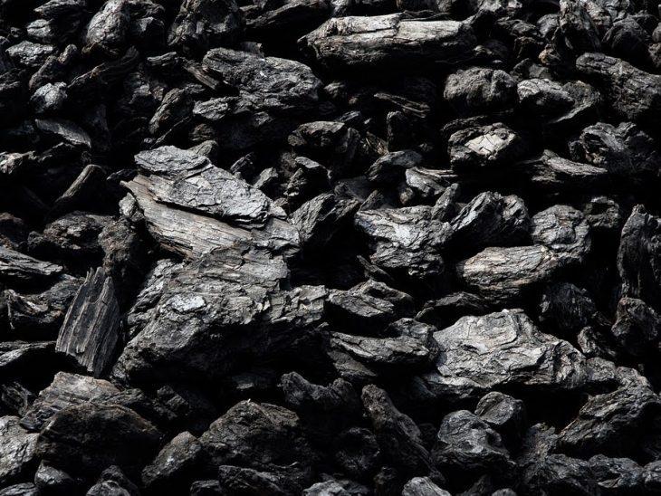La Cina si piega alla crisi energetica: riprendono le importazioni di carbone dall'Australia
