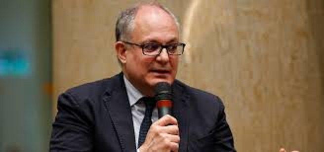 """""""Honestahhhhhh"""": Gualtieri rivuole il Boiardo cacciato per gli scandali"""