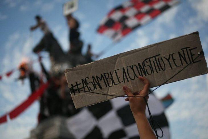 """Cile: 1,2 milioni in piazza. Alle origini di una manifestazione monstre nel """"Gioiello del Sud America"""""""