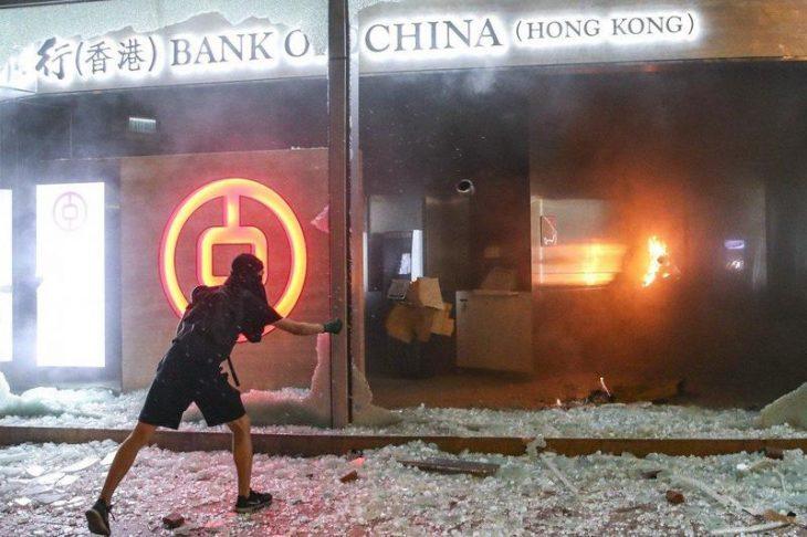BANK RUN 2: Hong Kong sta arrivando al limite
