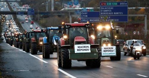 LA FURIA DEGLI AGRICOLTORI FRANCESI CONTRO MACRON