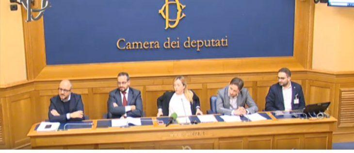 """MELONI DATI ALLA MANO SBUGIARDA REPORT ed i curiosi """"Esperti"""" di comunicazione"""
