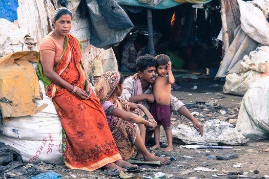 MORTE DELLA DOMANDA? Perfino l'India l'economia in crisi per carenza di consumo
