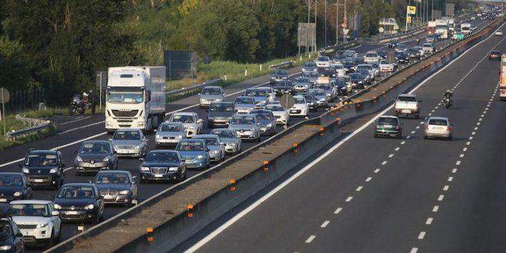 AUTOSTRADE: NESSUNA REVOCA, ANZI ALL'ASTA QUELLE SCADUTE. Conte ed i Cinque Stelle prendono per i fondelli gli italiani