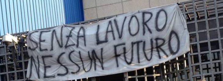 INDUSTRIA ITALIANA: CROLLO A DICEMBRE. Nel frattempo Gualtieri e Patuanelli giocano a fare i ministri