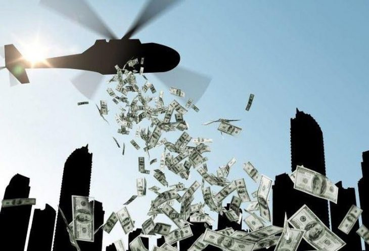 HONG KONG FA PARTIRE L'HELICOPTER MONEY. Verranno dati soldi ad ogni residente
