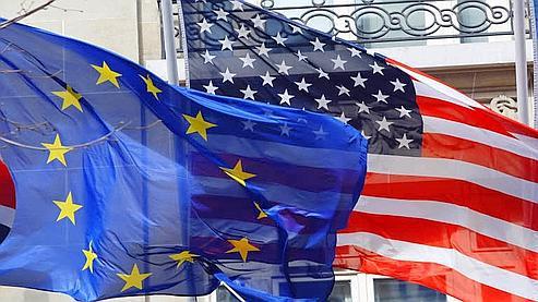 GLI USA APPROVANO UNA MANOVRA STORICA A DEBITO DI 2.200 Miliardi di $ (10,2% del PIL) .  QUALE INSEGNAMENTO PER L'EUROPA?  (di Primo Gonzaga)