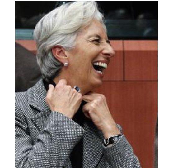 L'uno due pugilistico della Lagarde (presidente BCE)  affonda l'Italia nel momento più drammatico. (di Primo Gonzaga)