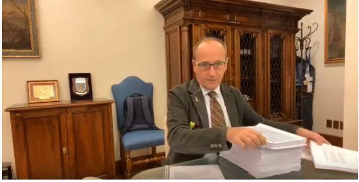BAGNAI: LA MONTAGNA DI CARTA (UTILE?) CHE PASSA IN COMMISSIONE..