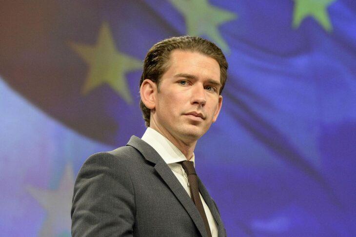 Il governo Kurz scricchiola in Austria dopo la denuncia del caos vaccini