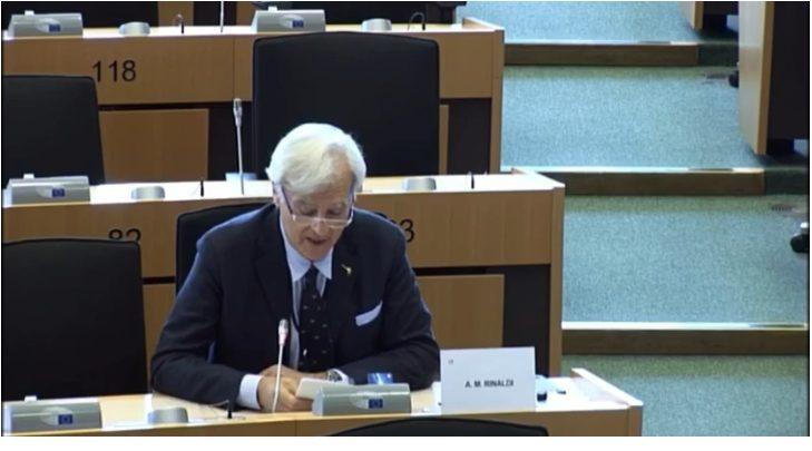 Rinaldi in Commissione ECON chiede ad Enria (sorveglianza BCE) se la Banca Centrale è indipendente o deve dar conto alla Corte tedesca.