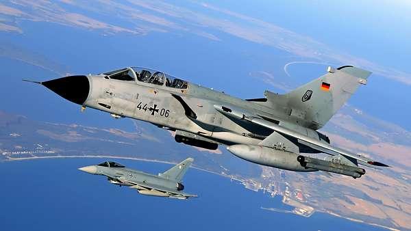 LA GERMANIA ENTRO 10 ANNI SARA' FUORI DALLA NATO? Da avversario economico a militare?