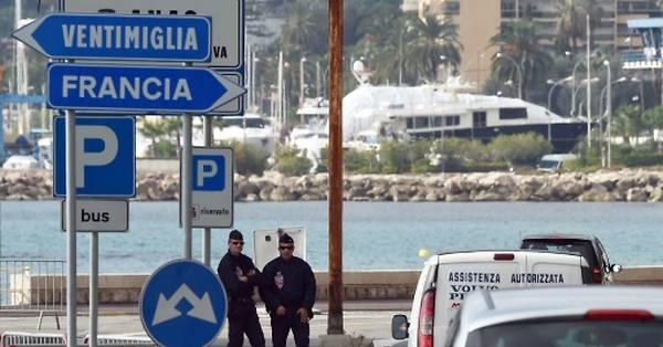 """MACRON CONTRO L'ITALIA: """"Un'Idea contraddittoria di solidarietà"""" per l'apertura delle frontiere"""