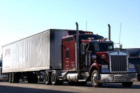 NON HAI LA POLIZIA? NIENTE MERCE. I camionisti USA non vogliono recarsi nelle città che riducono o sciolgono le forze dell'ordine