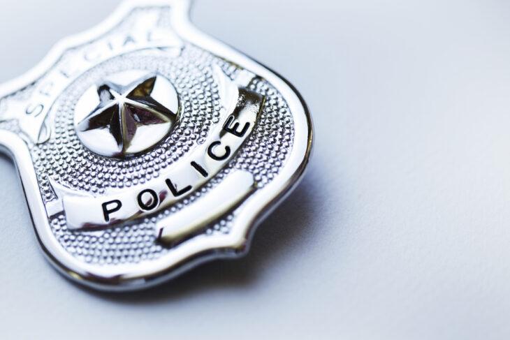 IL FUTURO SECONDO I DEM USA: MENO FONDI ALLA POLIZIA, MA I POLITICI HANNO LA PROTEZIONE PRIVATA