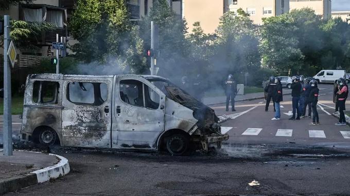 DIGIONE: PROVINCIA MEDIORIENTALE. Come la folle politica migratoria ha distrutto una tranquilla città della provincia francese