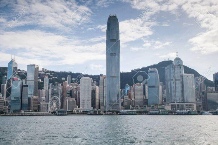 UN SUPERFONDO SPECULATIVO CONTRO IL DOLLARO HK