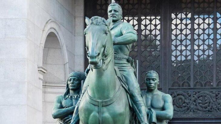 PERFINO ROOSEVELT SE NE VA: RIMOSSA LA SUA STATUA A NEW YORK