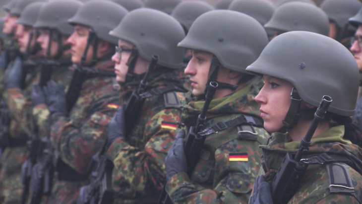 LA GERMANIA VALUTA DI REINTRODURRE IL SERVIZIO MILITARE. Esercito espressione della società