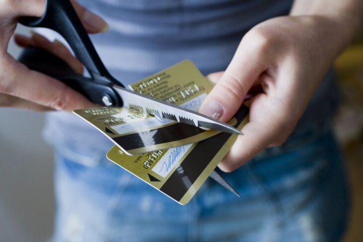 Negli USA le banche tagliano il credito ai clienti. Ecco come si moltiplica l'effetto di una crisi