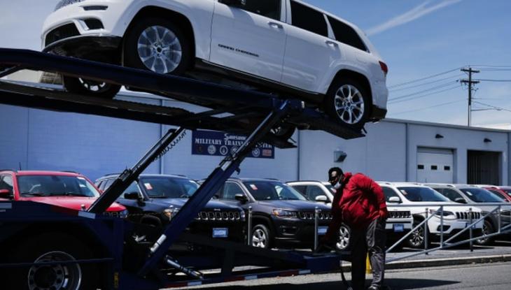 NON SUI VENDONO AUTO: nuovo crollo nelle vendite di auto negli USA
