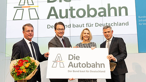 LA GERMANIA SI VUOLE PAPPARE LE AUTOSTRADE ITALIANE? La Germania crea un colosso pubblico autostradale. Desideri di espansione ai danni delle colonie?