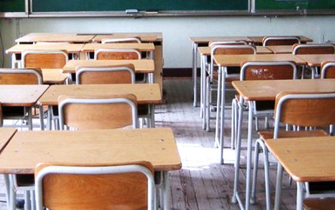 FUORI I NOMI! Perchè Arcuri ed Azzolina tengono segreti i nomi dei fornitori dei banchi scolastici? Chi hanno favorito? La fine della trasparenza