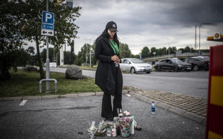 LA SVEZIA INASPRISCE  IL DIRITTO D'ASILO, ma una ragazzina di 12 anni viene uccisa in uno scontro a fuoco