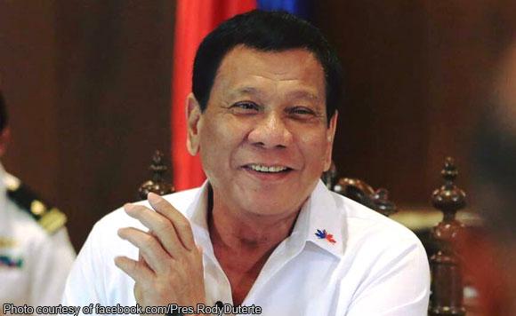 Filippine: Duterte testa il vaccino russo e pronti alla produzione di massa