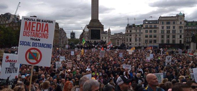 #WEDONOTCONSENT: la più grande manifestazione anti-lockdown nel Regno Unito
