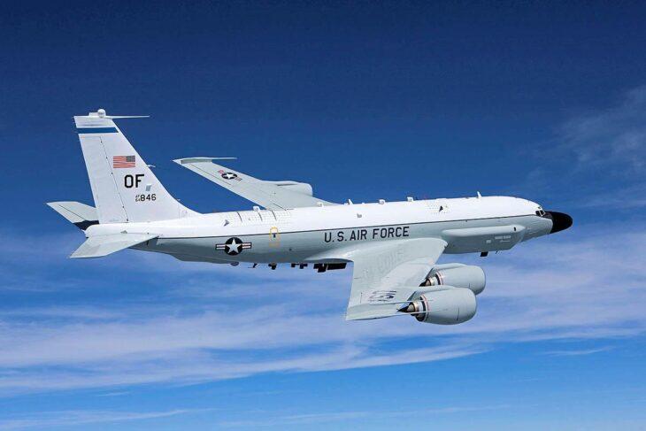 «Gioco di spie»: come mai gli USA hanno mandato i B-52 al confini russi