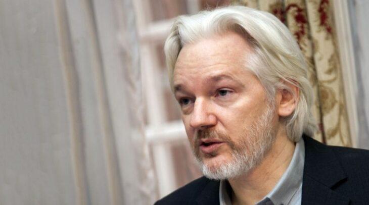 Assage: ha rivelato crimini di guerra nell'interesse pubblico. Parola di uno dei più importanti whistleblower della storia