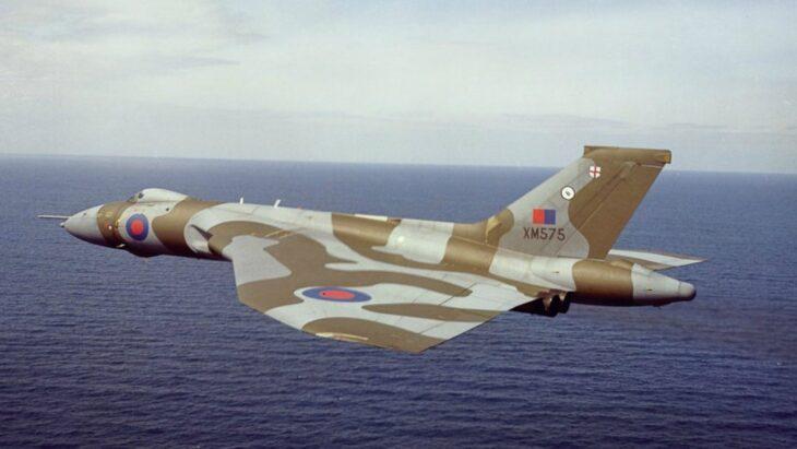 Quando il Regno Unito nuclearizzò per due volte gli USA. L'operazione Skyshield e l'Avro Vulcan
