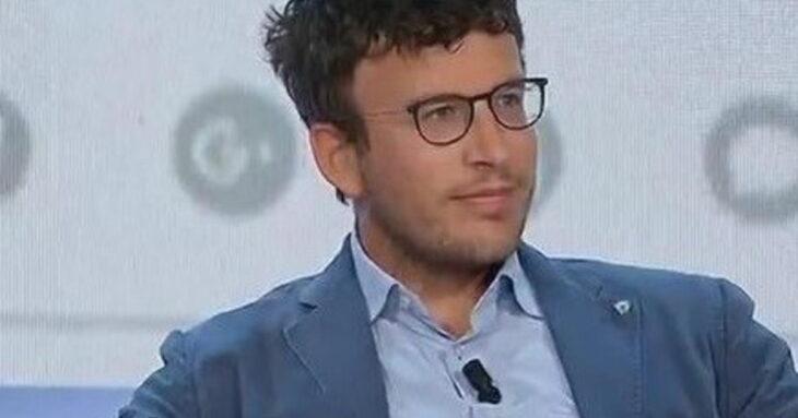 Diego Fusaro: «Il discorso della Von Der Leyen distrugge l'etica e impoverisce il lavoro»