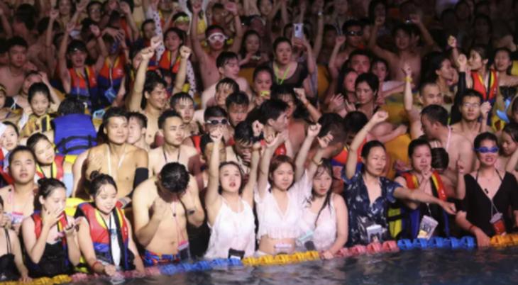 Cina: facciamo festa come nel 2019. Sparito il distanziamento sociale