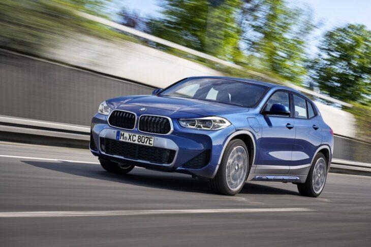 Ibride BMW e Ford Kuga a rischio incendio. Problemi con batterie difettate