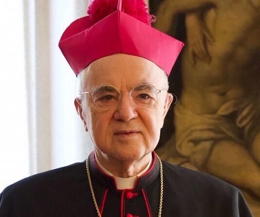 """Il «Great Reset», il """"Papa traditore"""" ed il male che avanza. La lettera aperta di Monsignor Viganò a Trump che disegna un quadro apocalittico"""